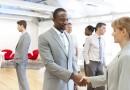 Tips Menghadiri Konferensi bagi Organisasi Nirlaba